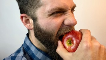 Taste-testing the Cosmic Crisp, Washington state's star-studded 'apple of the future'