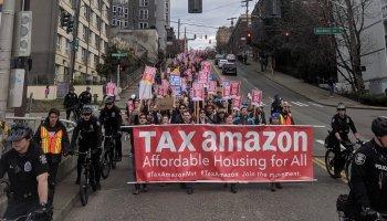 在亚马逊就搬迁问题对员工进行民意调查后,西雅图商业领袖要求该市重新考虑税收问题