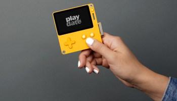Playdate-model-shot
