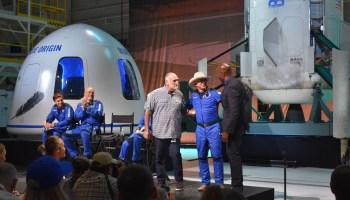 蓝色起源发布后,杰夫·贝佐斯赠送了2亿美元,并感谢亚马逊客户