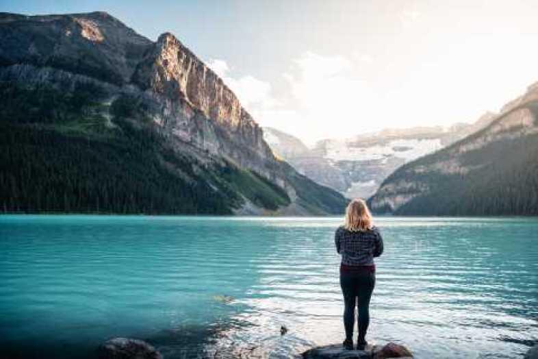 Banff: Tour nocturno de Lake Louise y Lago Moraine con cena