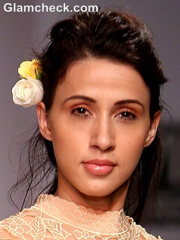 How To Do The Minimalist Romantic Makeup Look Indian