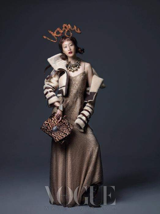 Christmas Editorial Vogue Korea December 2010 16