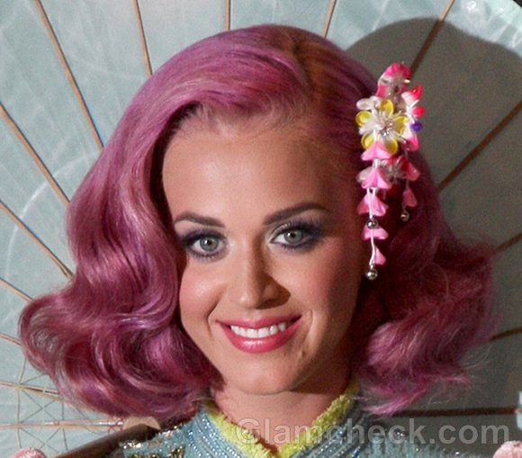 Katy Perry 2011 pink Hair-3