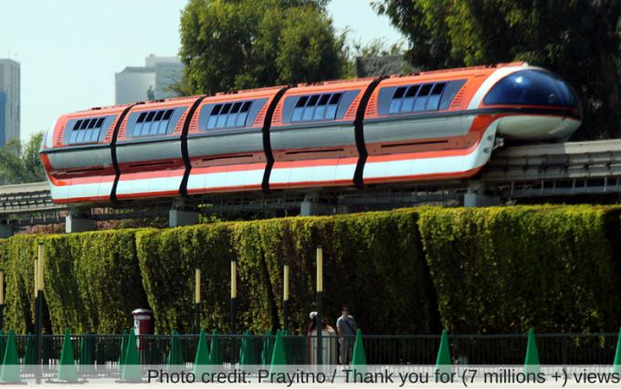 disneyland resport monorail