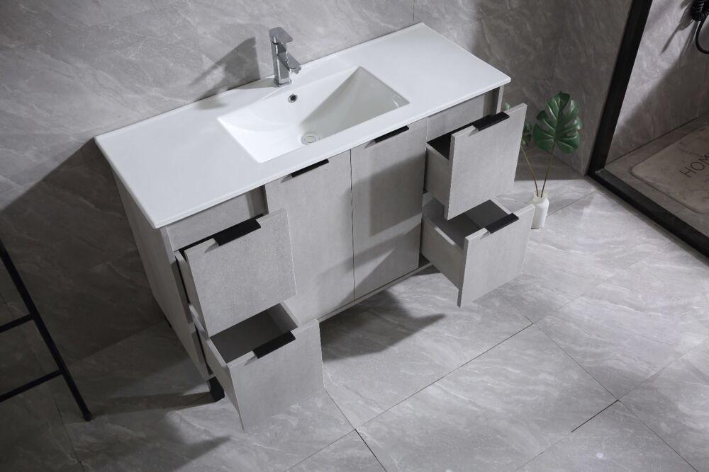 vanite de salle de bain odessa de 48 po gris avec comptoir ceramique