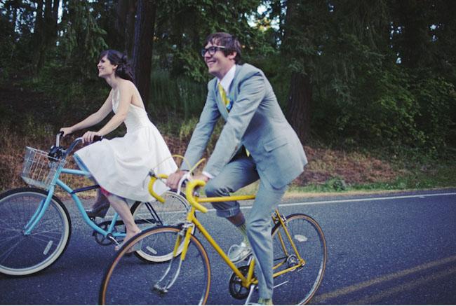 wedding bicycle ride