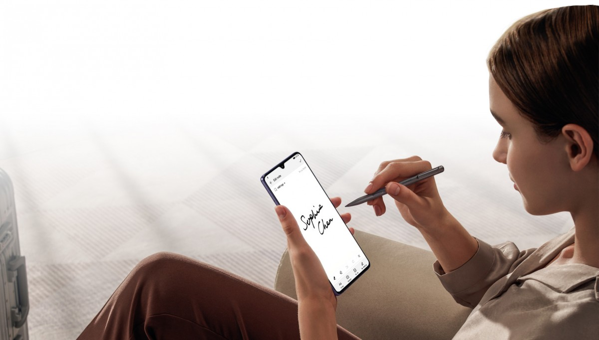 gsmarena 006 - الإعلان الرسمي عن هاتف هواوي Mate 20X المخصص للألعاب وMate 20 RS بورش ديزاين