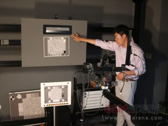 Testează toate țintele reflectorizante și indicatorii relativi ai timpului de expunere în diferite combinații de iluminări