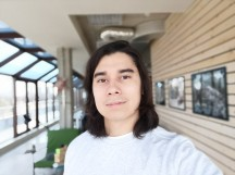 Portrait selfie - f/2.0, ISO 50, 1/100s - Honor View 20 review