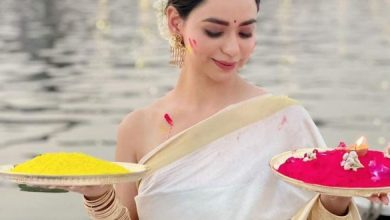Soundarya Sharma's Holi Pics In Saree Are Simply Hotter