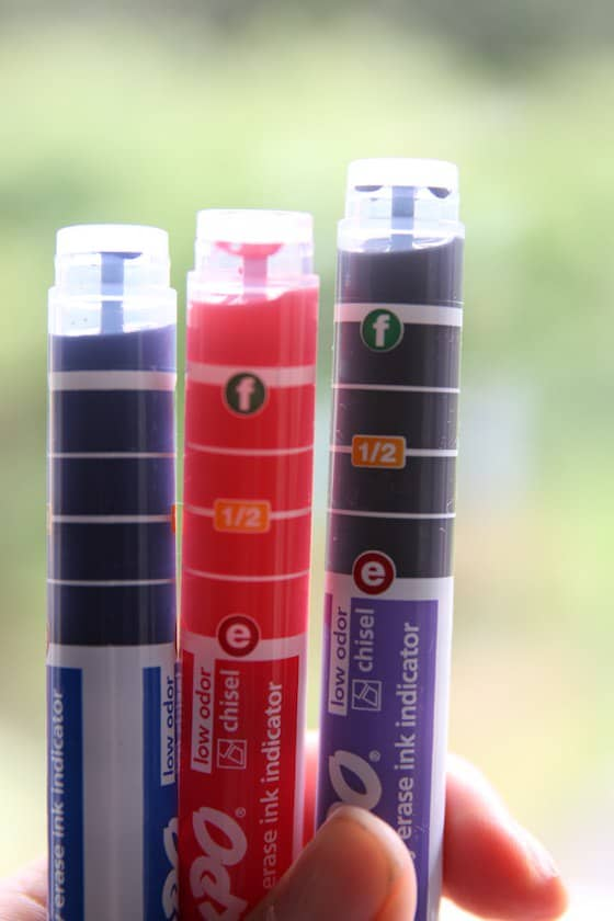 3 Expo markers with ink indicators