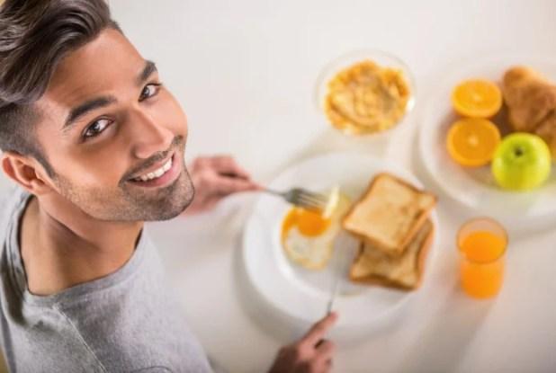 membiasakan diri untuk sarapan