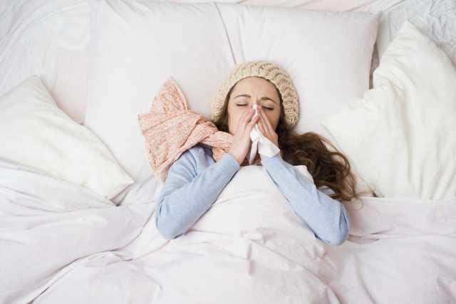 Image result for cewek sedang demam dan flu