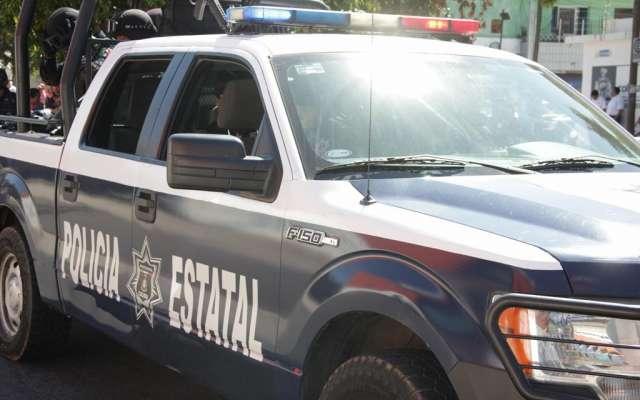 En el lugar se aseguraron un vehículo, armas y cargadores