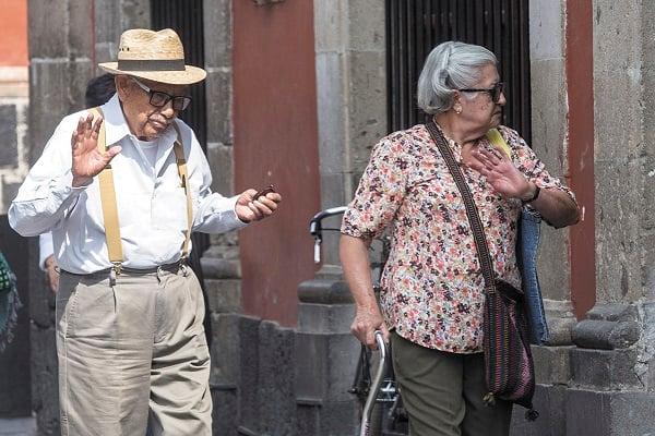 POCOS. Sólo un pequeño grupo podrá cumplir con las 1,250 semanas de cotización, para aspirar a una pensión mínima. Foto: Cuartoscuro