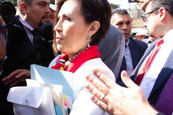 Entidades recibieron los apoyos para vivienda en tarjetas de la Sedatu. Foto: CUARTOSCURO
