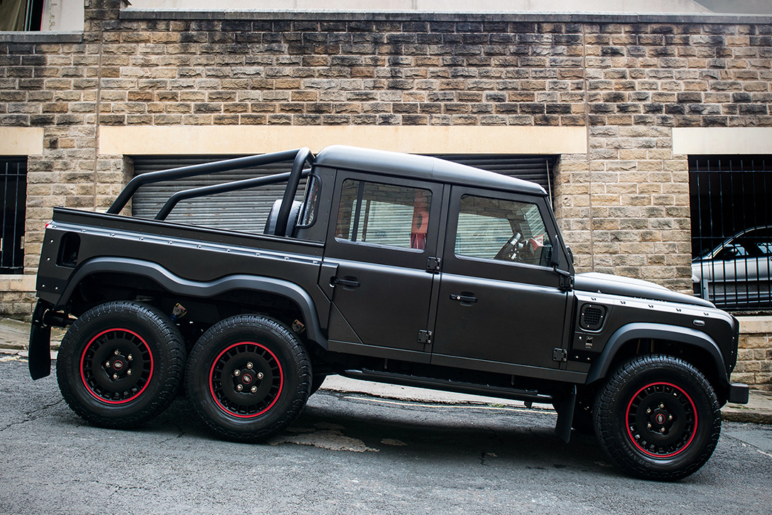 Land Rover Defender Flying Huntsman 6x6 Pickup