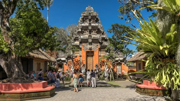 Indonesia Top Tourist Attractions And Sightseeing Route Planner Monuments Parks And Activities 2021