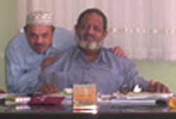 Elfatih Hassanein (center).