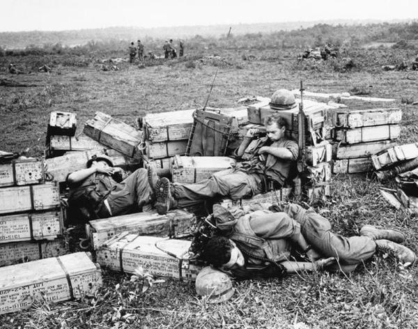 Tough and Sad Vietnam War Pictures That Will Stick In Your ...