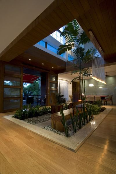 homes with indoor garden design ideas N85 Residence in New Delhi, India