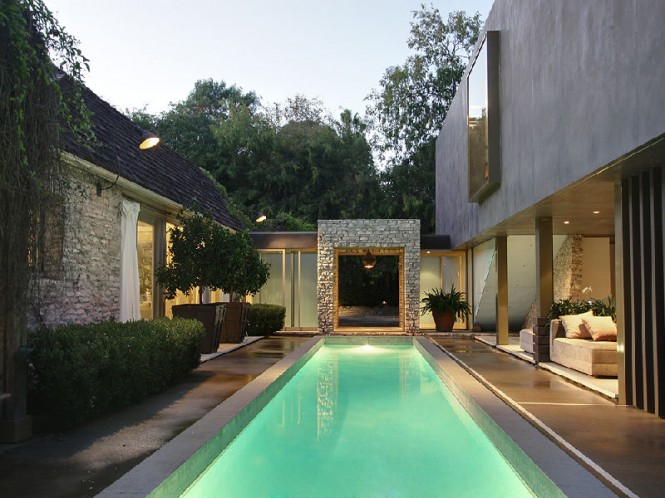 elegant luxury entry