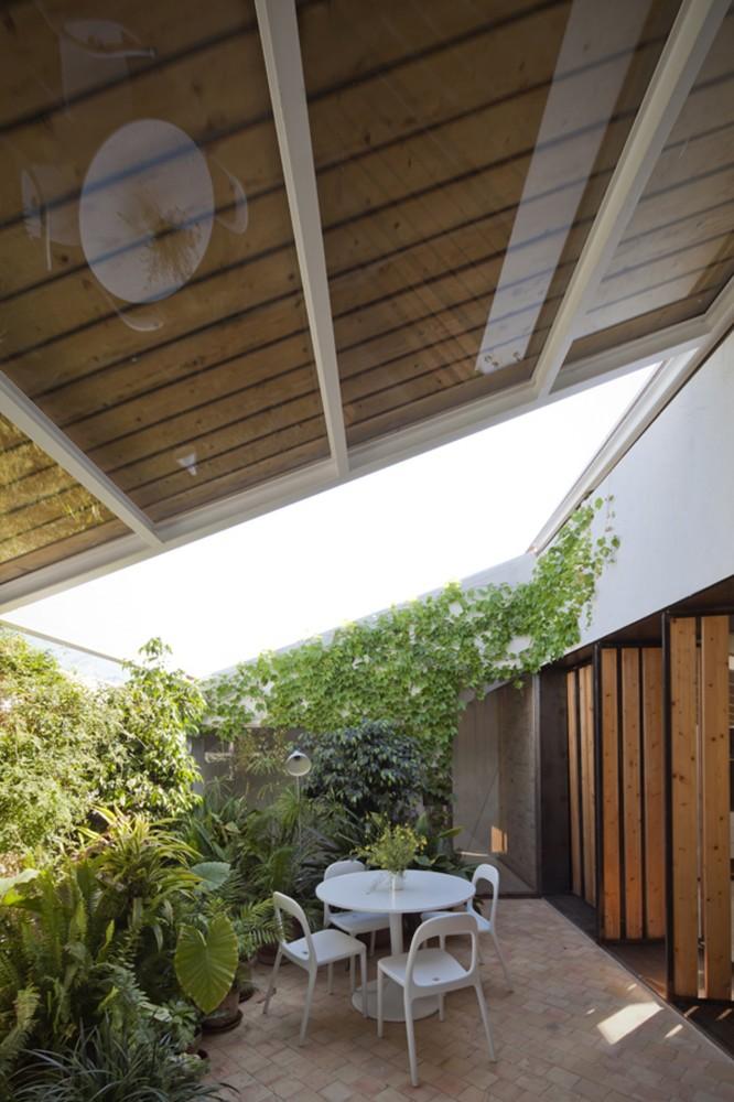 Modern Courtyard Interior Design Ideas