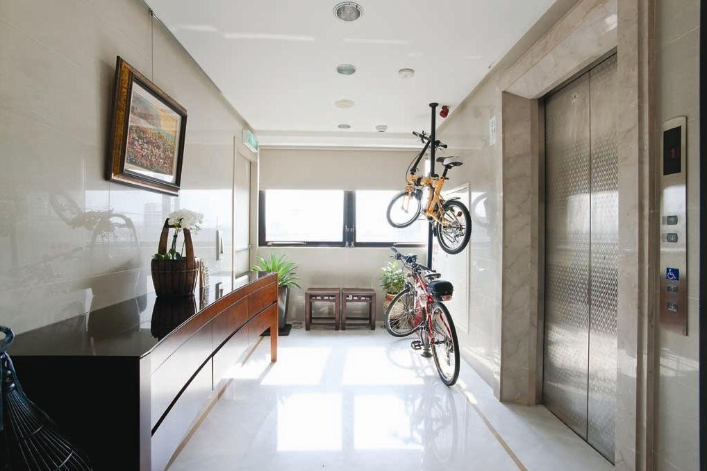 Modern Hallwayinterior Design Ideas