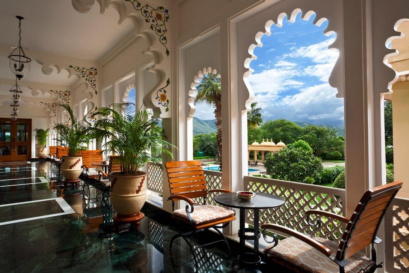 Sunny Garden Patio Interior Design Ideas