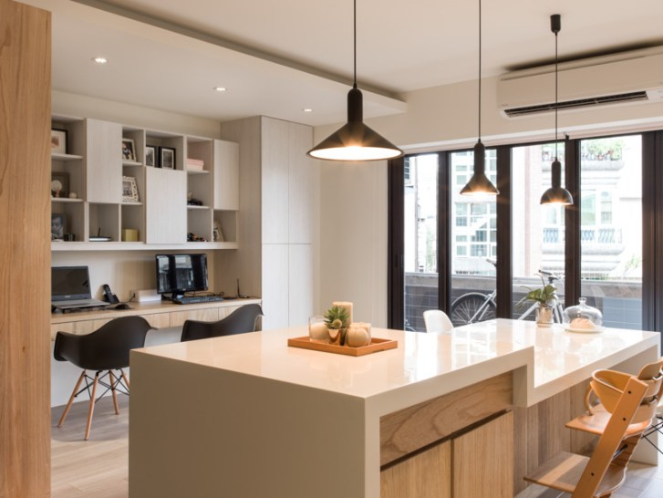 Sunny Urban Kitchen Interior Design Ideas