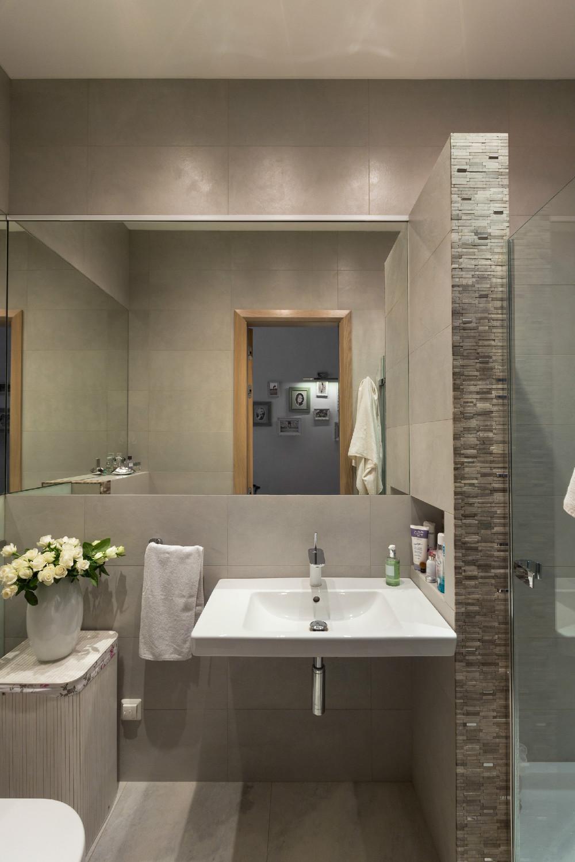 Spacious Apartment With Family Friendly Decor on Bathroom Ideas For Apartments  id=22254