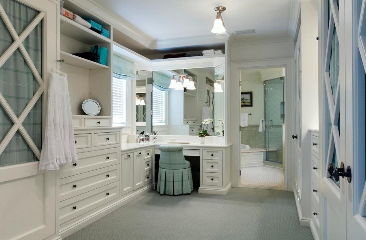 Bathroom Vanity Ideas on Make Up Room Ideas  id=83653