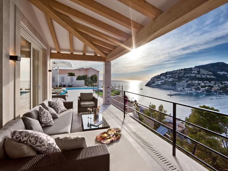 Spanish Balcony Interior Design Ideas