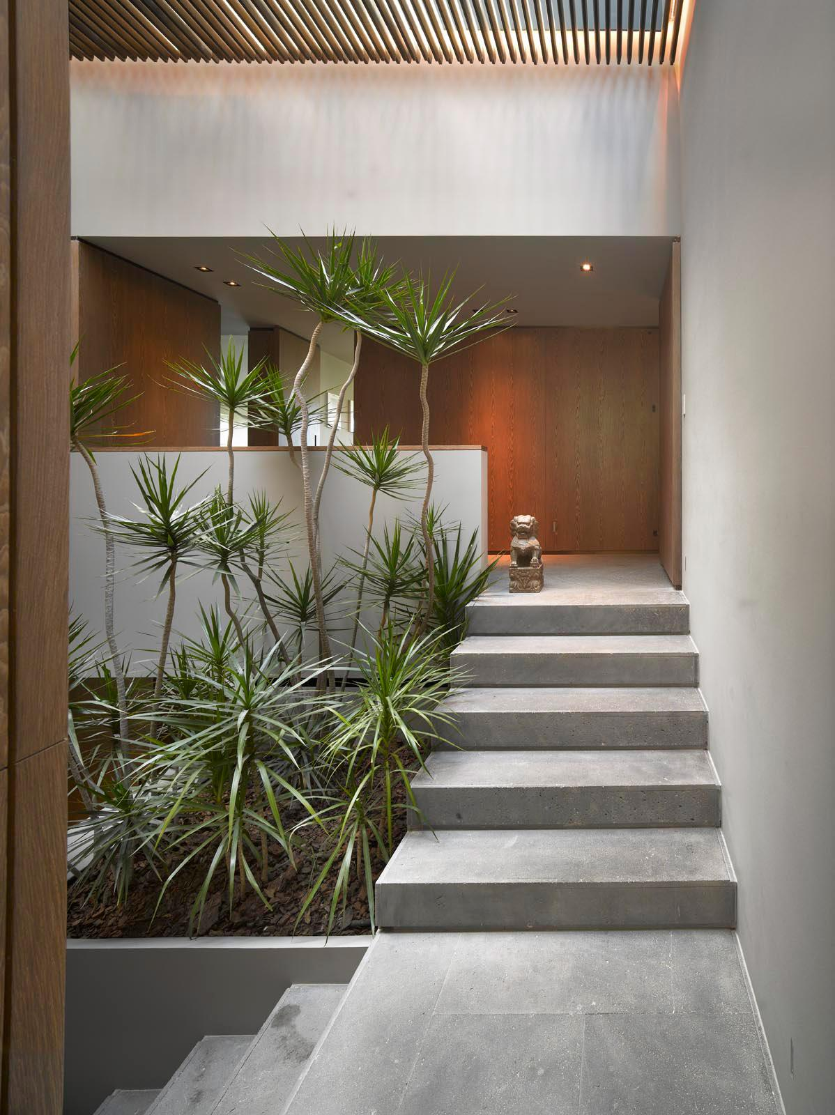 Mexico City Restoration Adds Luxury Comforts To 1970s Design