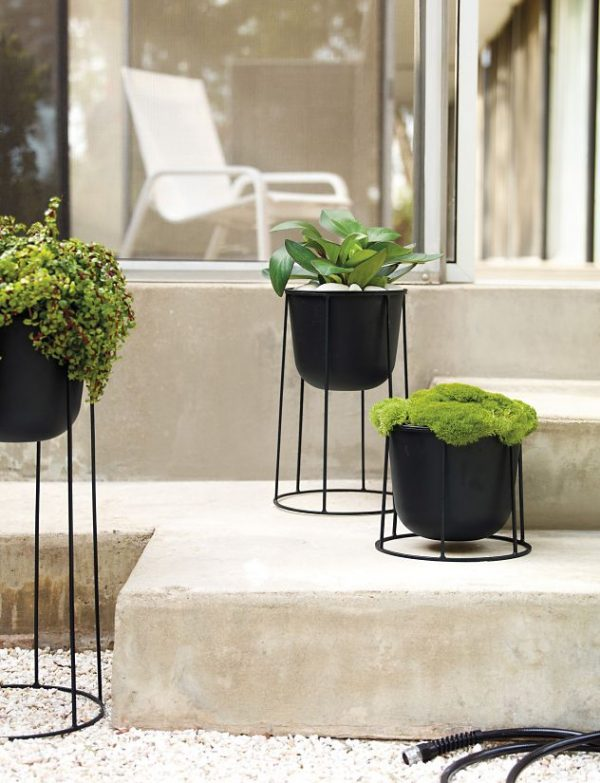 42 Unique, Decorative Plant Stands For Indoor & Outdoor Use on Hanging Plants Stand Design  id=90146