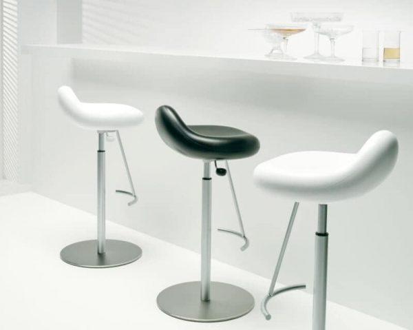 Pleasing 51 Swivel Bar Stools To Go With Any Decor Architectural Inzonedesignstudio Interior Chair Design Inzonedesignstudiocom