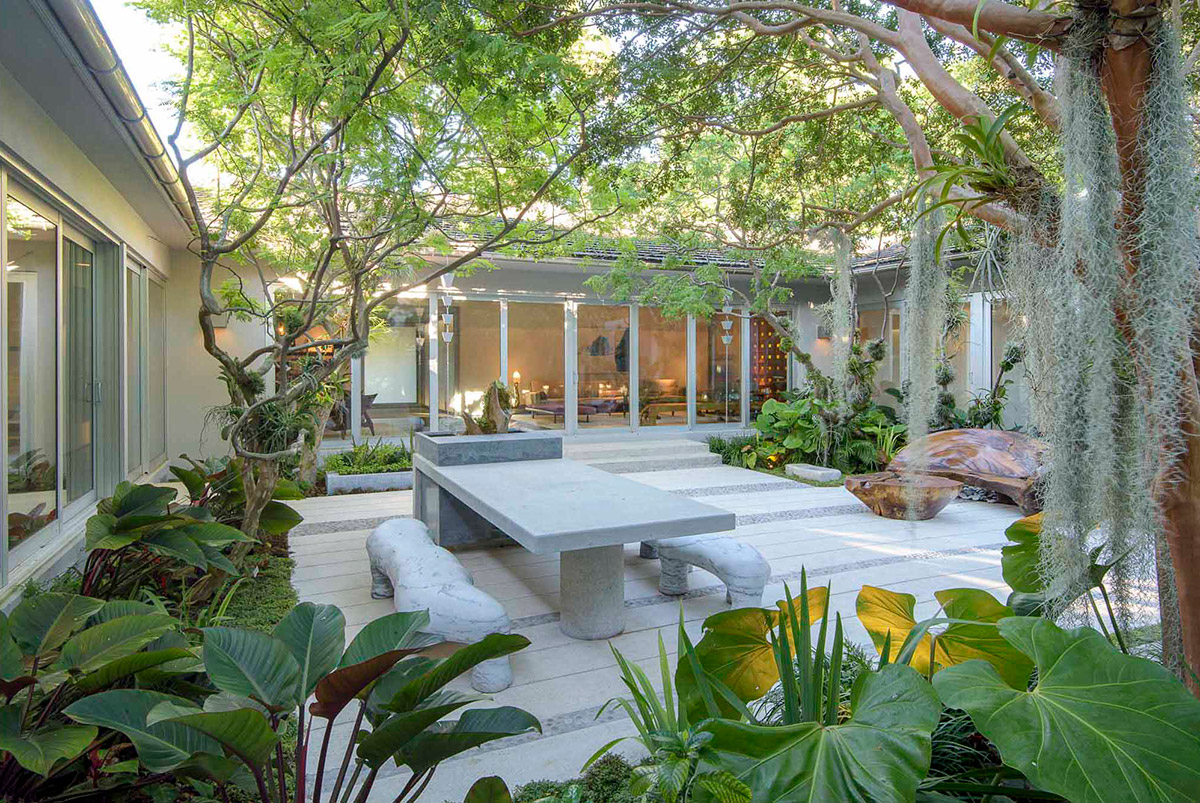 51 Captivating Courtyard Designs That Make Us Go Wow on Courtyard Patio Ideas id=77245