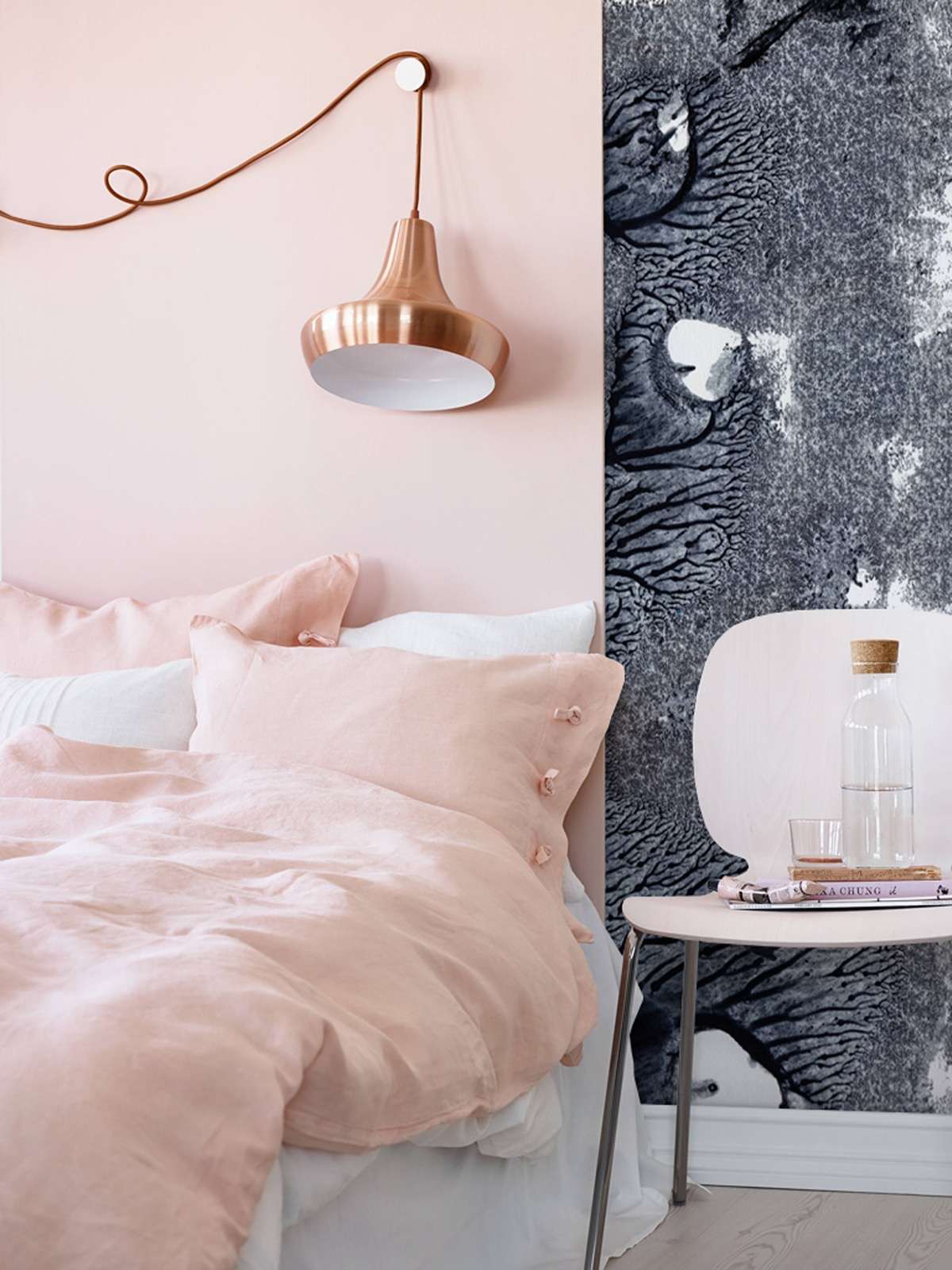 Decorate your bedroom using the millennial pink trend with these easy, modern design ideas from vanessa arbuthnott. 101 Pink Bedrooms With Images Tips And Accessories To Help You Decorate Yours
