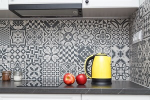 2021 cost to install a tile backsplash