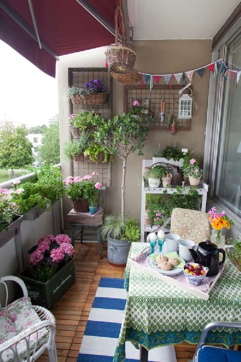 50 best balcony garden ideas and designs for 2017 on Artificial Garden For Balcony id=29970