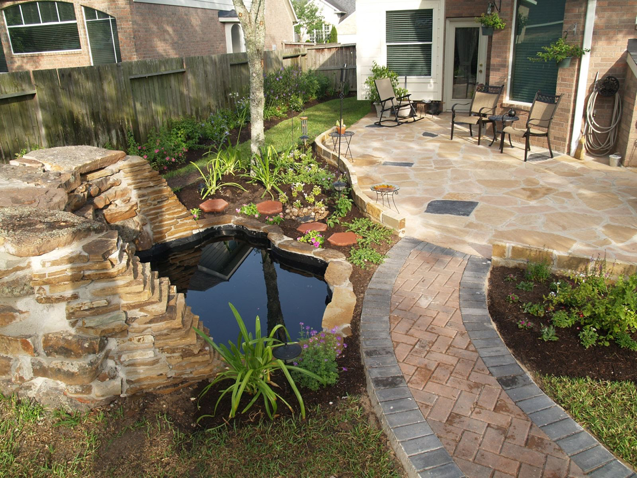 50 Best Backyard Landscaping Ideas and Designs in 2017 on Back Patio Landscape Ideas id=91750