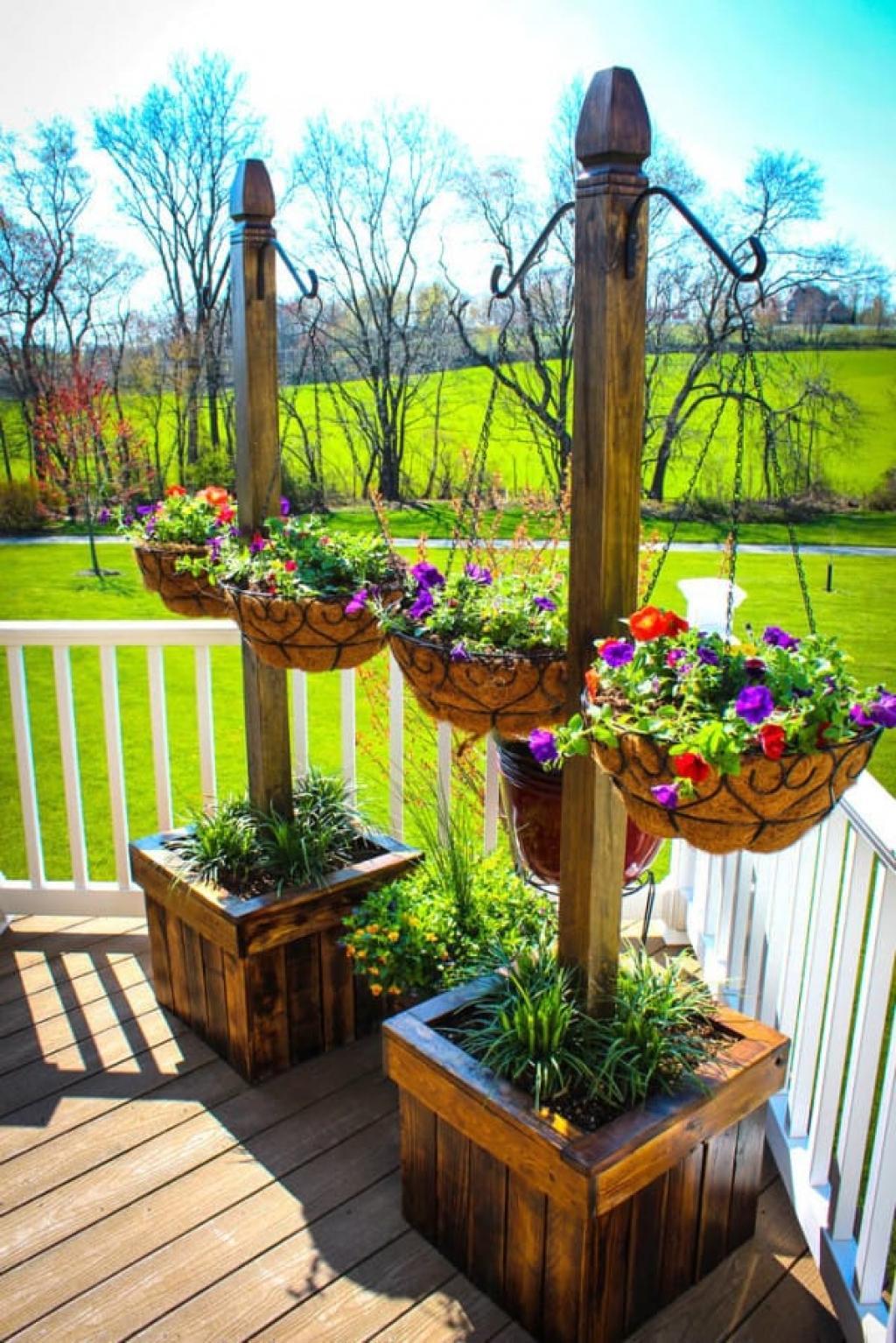 Backyard Landscape: 16 Amazing DIY Patio Decoration Ideas ... on Diy Small Patio Ideas id=78979