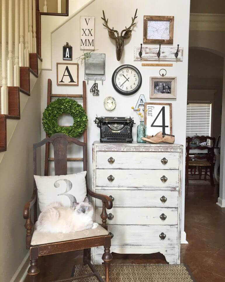 32 Best Gallery Wall Ideas and Decorations for 2017 on Picture Hanging Idea  id=13620