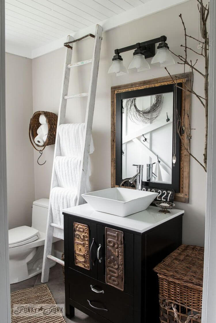32 Best Small Bathroom Design Ideas and Decorations for 2017 on Small Restroom Ideas  id=56003