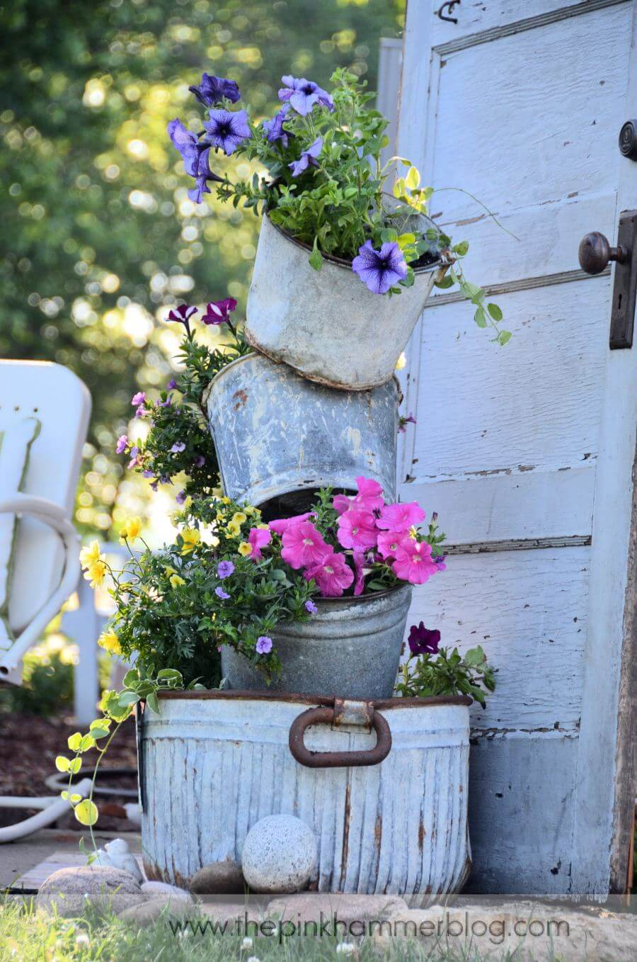 34 Best Vintage Garden Decor Ideas and Designs for 2017 on Backyard Decorating Ideas  id=15631