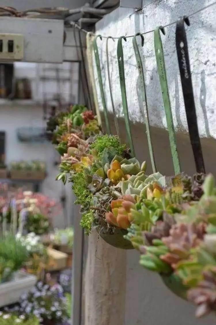 34 Best Vintage Garden Decor Ideas and Designs for 2017 on Garden Decor Ideas  id=79044
