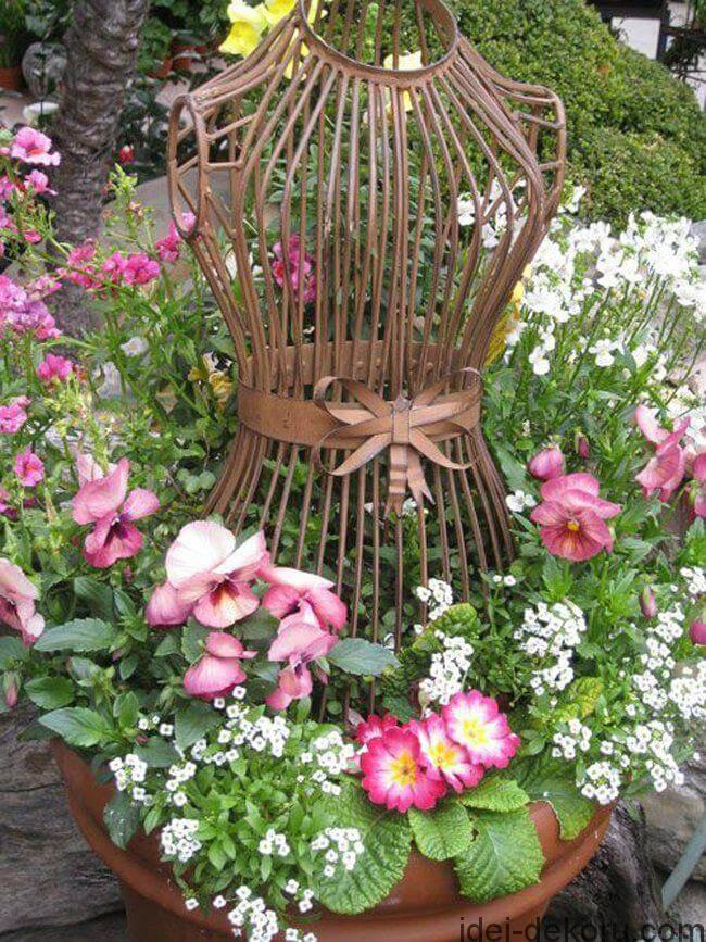 34 Best Vintage Garden Decor Ideas and Designs for 2017 on Garden Decor Ideas  id=26628
