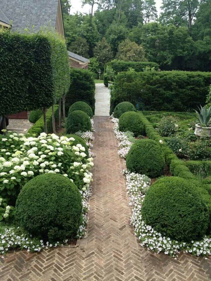 25 Best Garden Path and Walkway Ideas and Designs for 2017 on Backyard Walkway Ideas id=86060