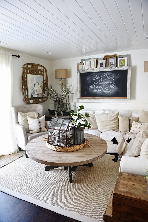 35 Best Farmhouse Living Room Decor Ideas and Designs for 2017 on Farmhouse Style Living Room Curtains  id=71021